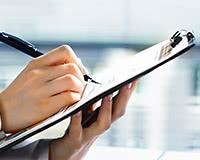 医療費控除用の確定申告書には、医療費の支出を証明する書類(領収書など)が必要です